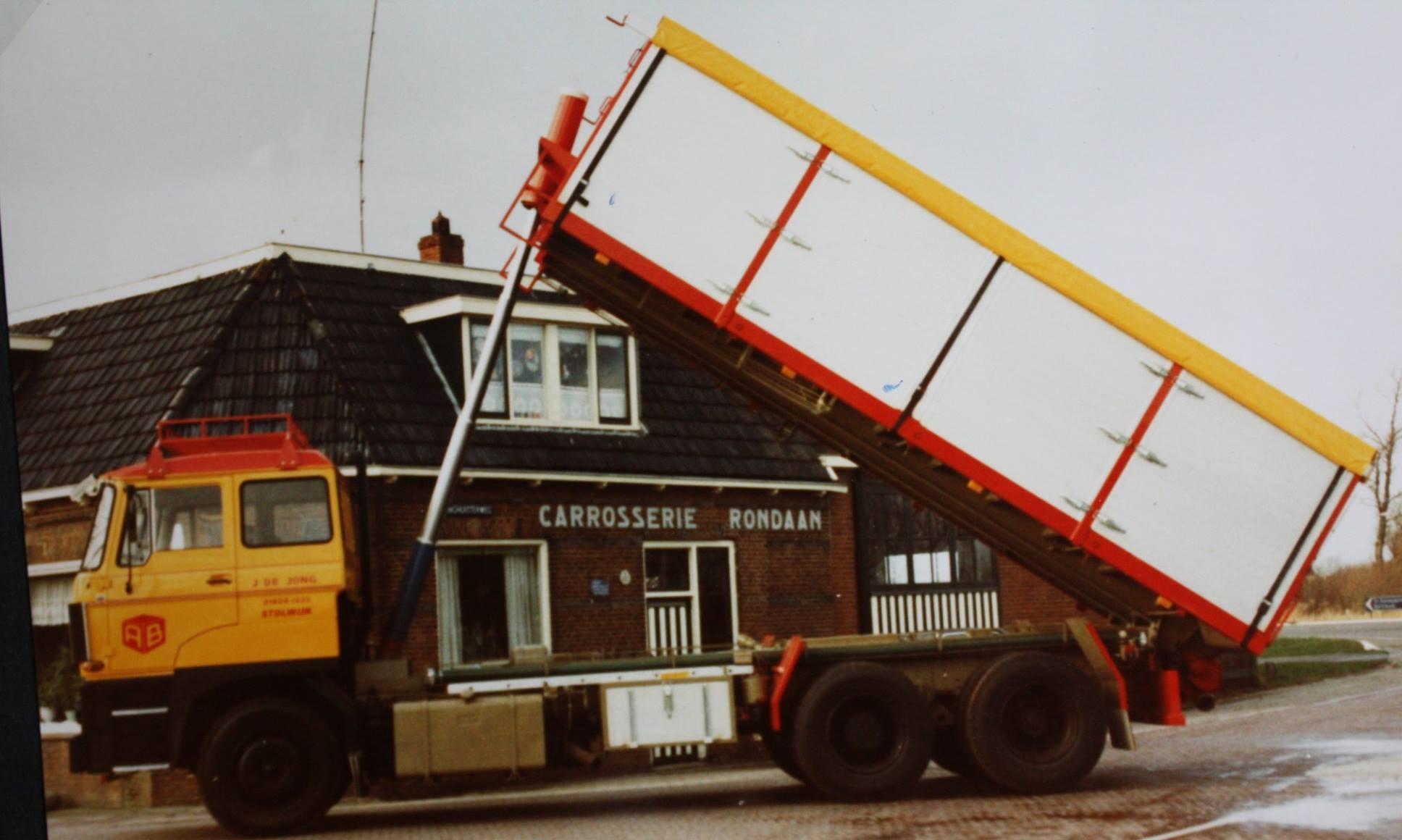 bulkwagen-is-door-Rondaan-gebouwd-voor-J-de-Jong-uit-Stolwijk-hij-rijdt-voor-Arie-Blok-uit-Woerden-1