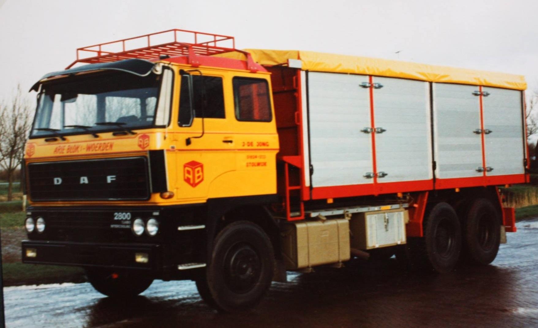 bulkwagen-is-door-Rondaan-gebouwd-voor-J-de-Jong-uit-Stolwijk-hij-rijdt-voor-Arie-Blok-uit-Woerden-2