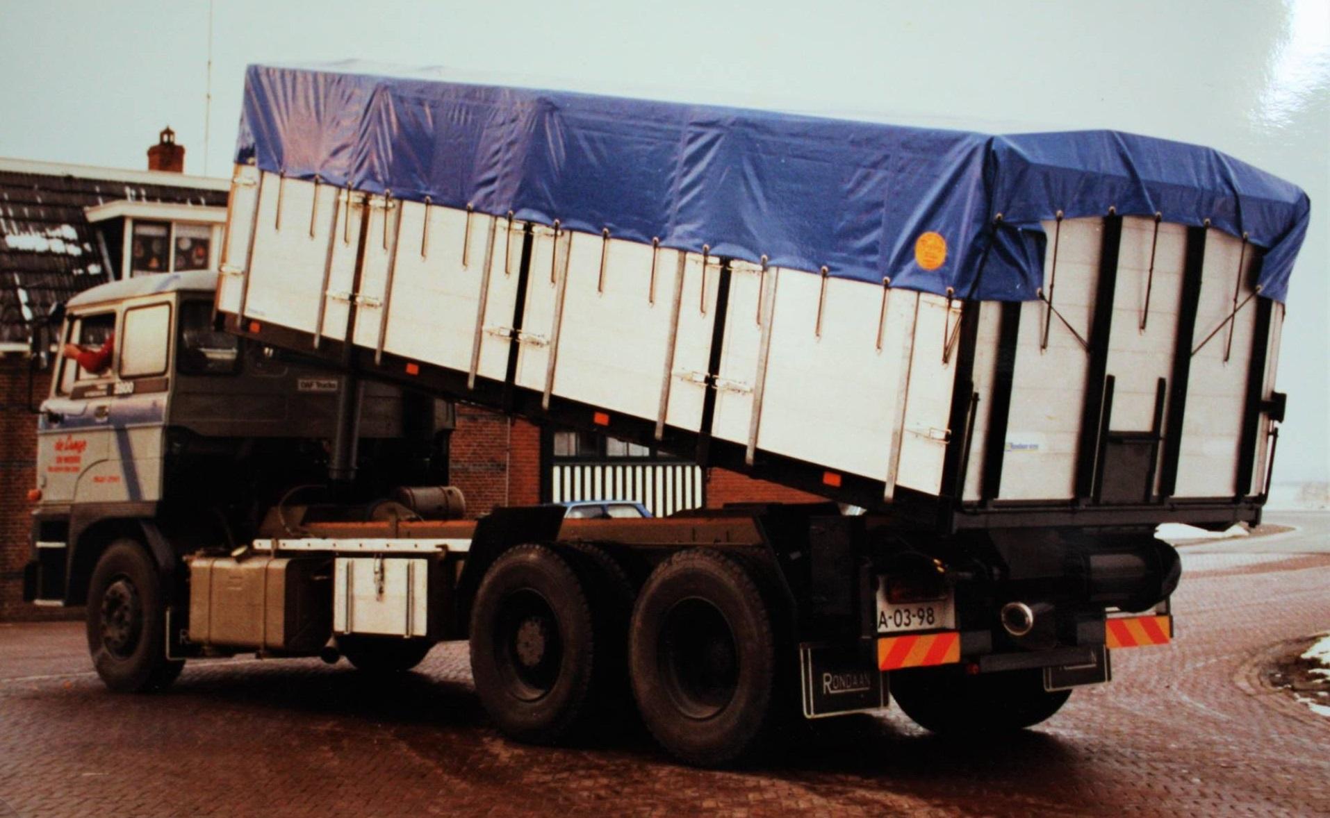 Daf-bulkauto-door-Rondaan-gebouwd-voor-De-Lange-uit-Weere-1