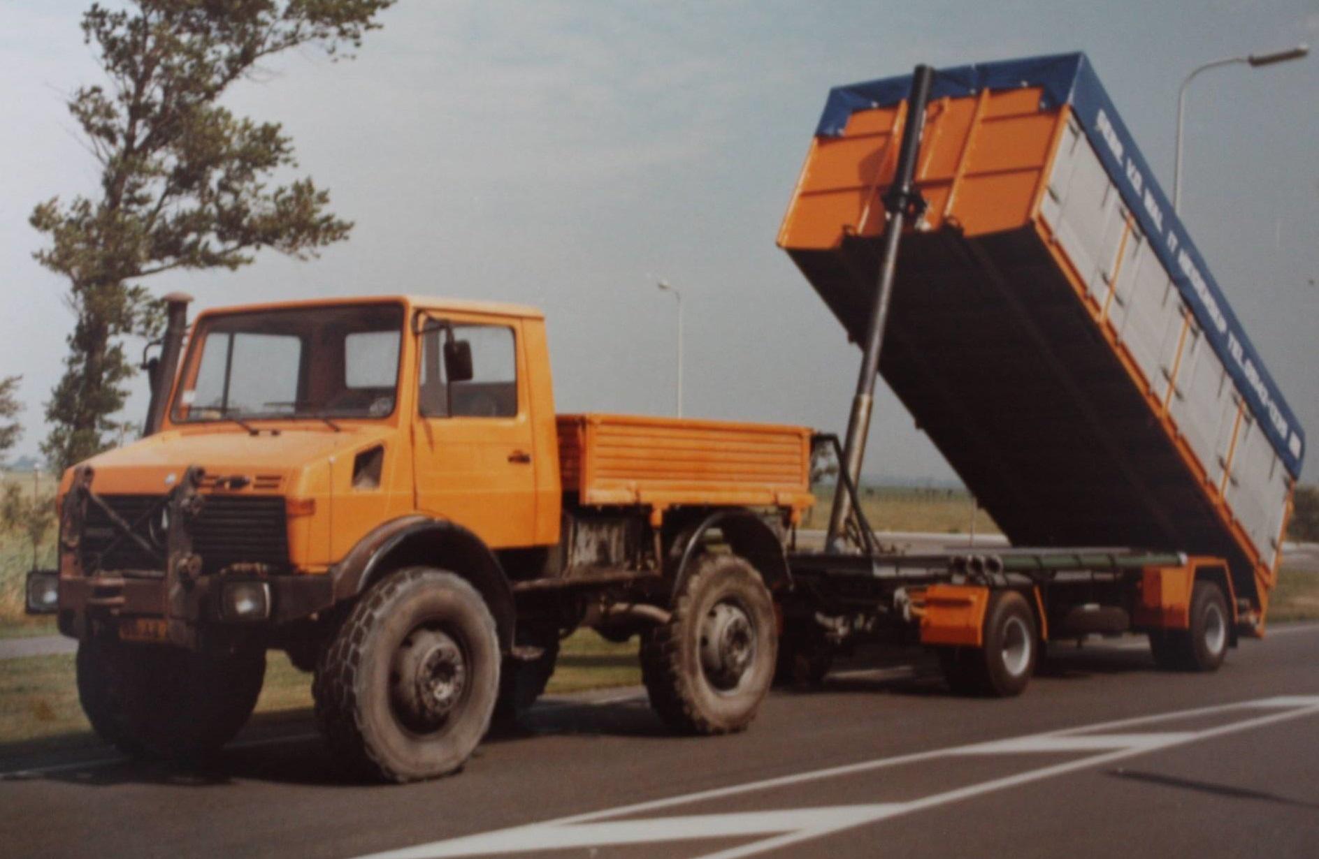 RAF-bulkaanhangwagen-is-door-Rondaan-gebouwd-voor-van-der-Wal-uit-It-Heidenskip-1