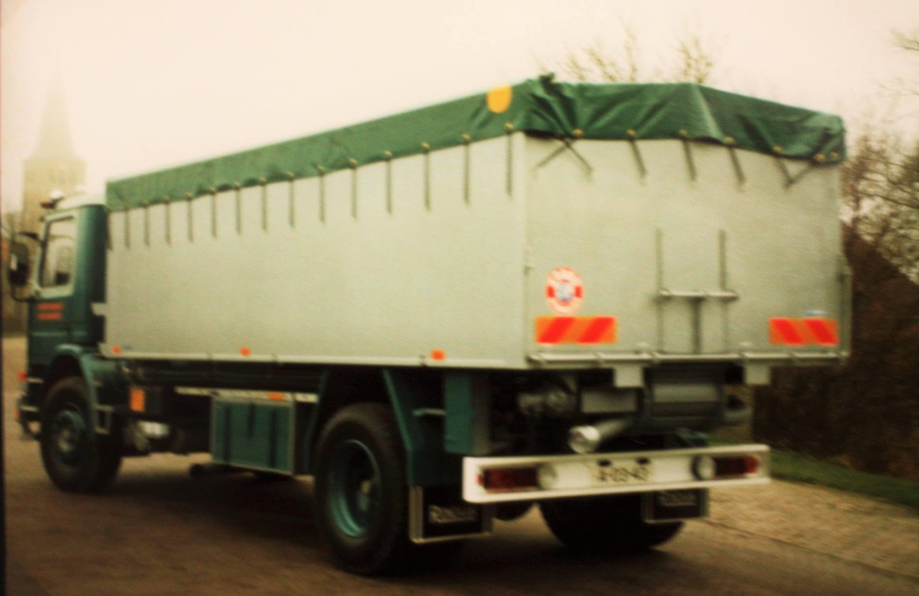Scania--bulkauto-door-Rondaan-gebouwd-voor-Jan-van-Klaas-bulktransport-uit-Rinsumageest-2