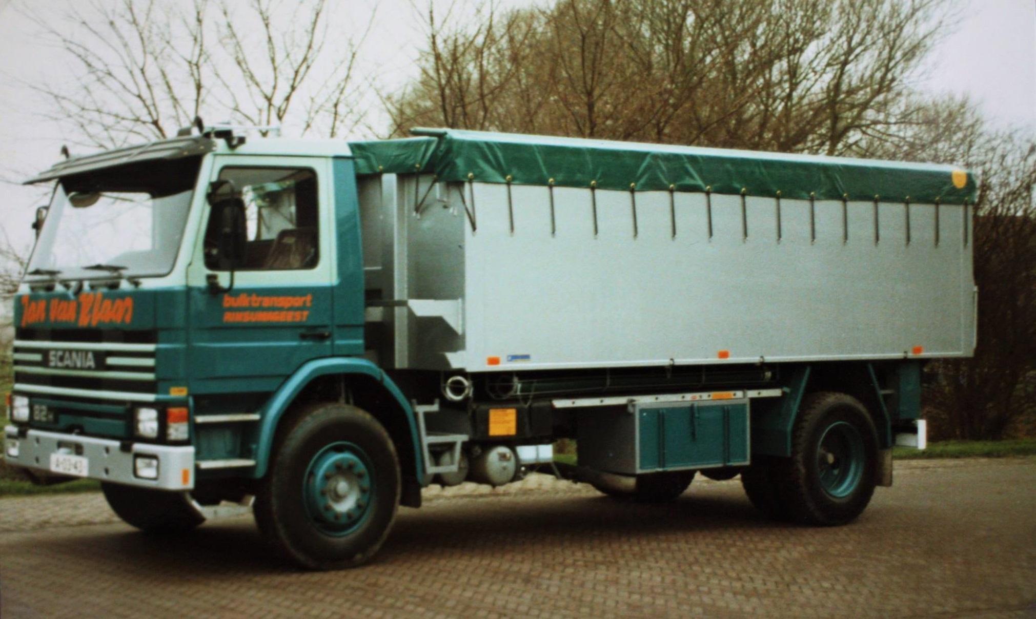 Scania--bulkauto-door-Rondaan-gebouwd-voor-Jan-van-Klaas-bulktransport-uit-Rinsumageest-3