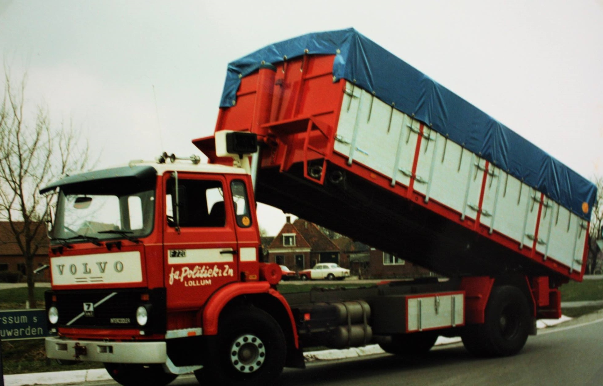 bulkauto-gebouwd-door-Rondaan-voor-Fa-Politiek-uit-Lollum-3