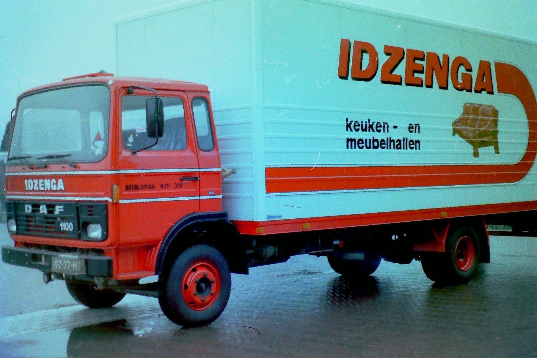 DAF-voor-Idzenga-Keuken---en-meubelhallen-te-Oosterbierum-is-ook-door-Rondaan-opgebouwd