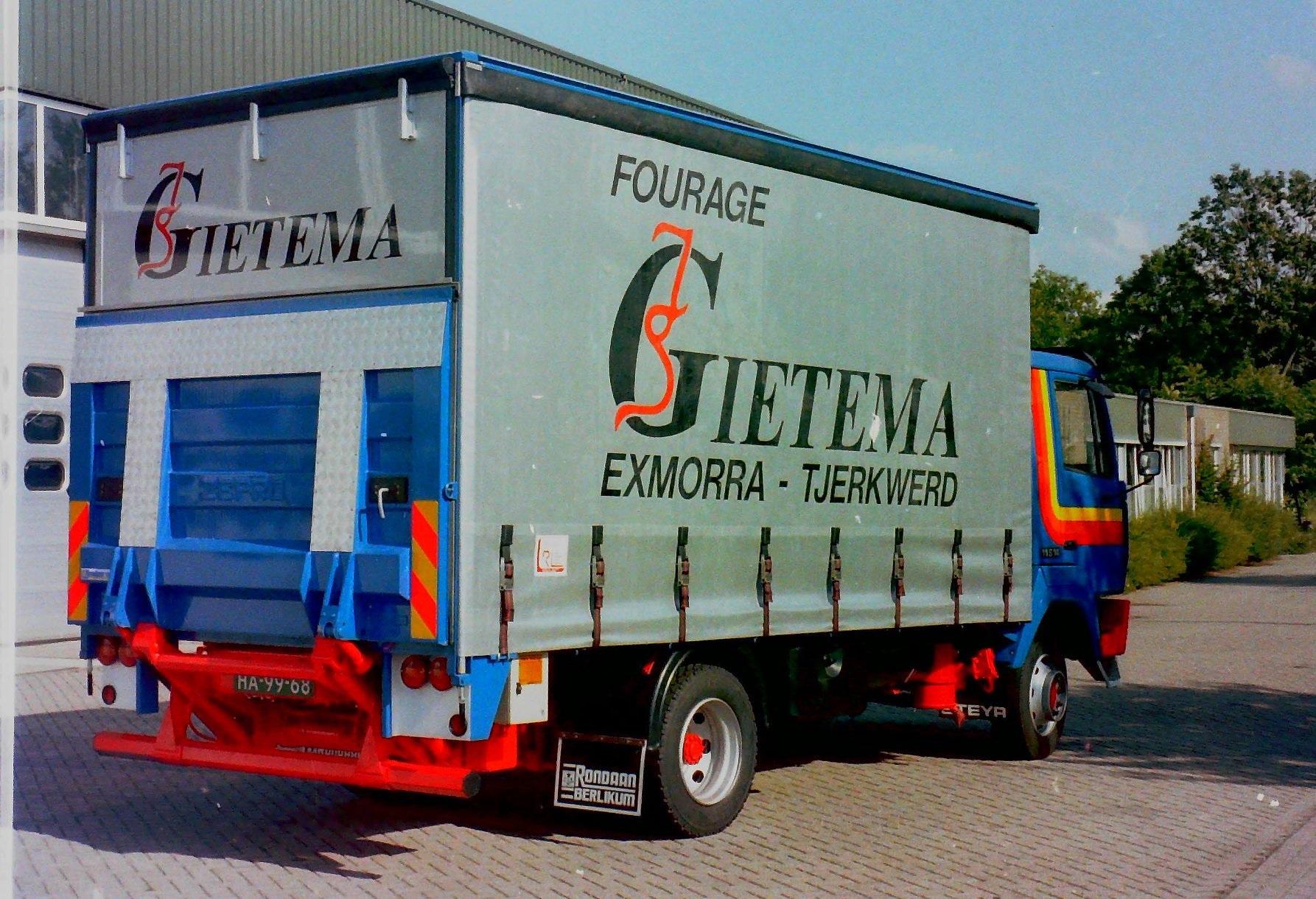 Steyr-van-Gietema-uit-Exmorra-en-Tjerkwerd-is-opgebouwd-door-Rondaan-in-Berlikum-2