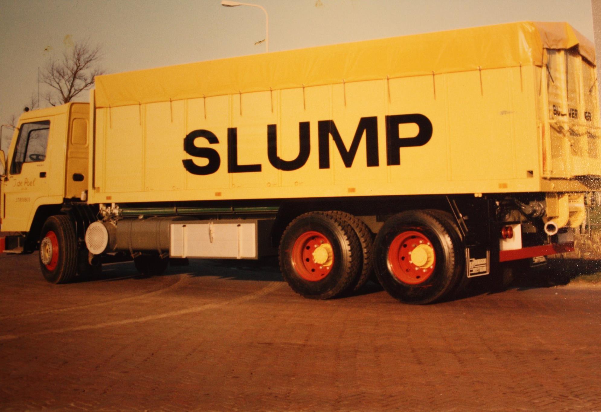 bulkwagen-is-gebouwd-door-Rondaan-voor-J-de-Poel-uit-Stroobos-rijdend-voor-Slump-veevoederfabriek-uit-Stroobos-2
