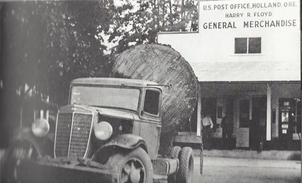 1934-International-log-truck--Holland--Oregon