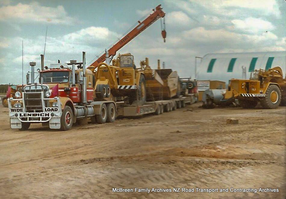 Arrival-of-FA-Willetts-Cat-637s-x-2-on-Lendich-KW-Transporter-to-Dam-site-Kerikeri-1985-6