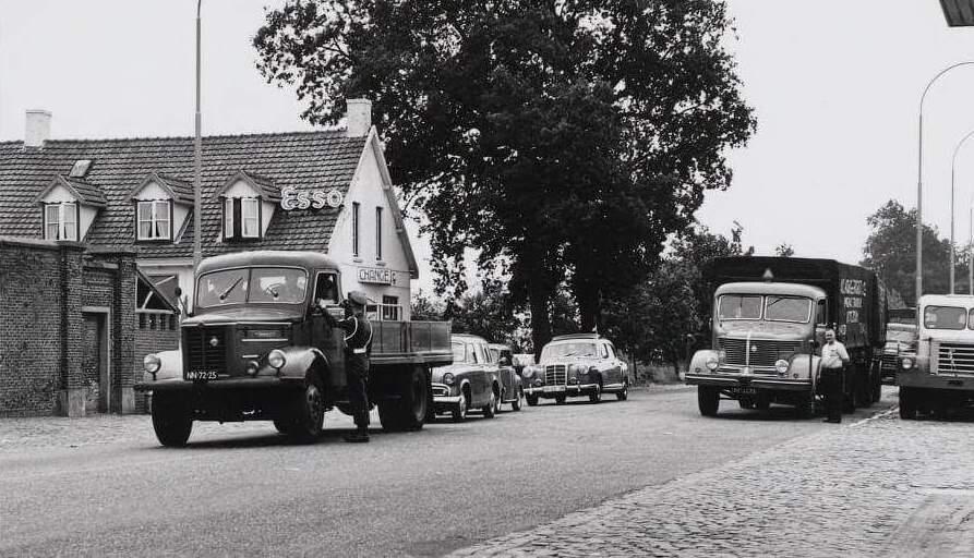 1956-Grensovergang-Wernhout