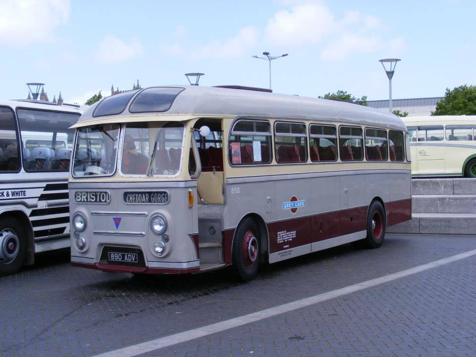 Vintage-Busses-10