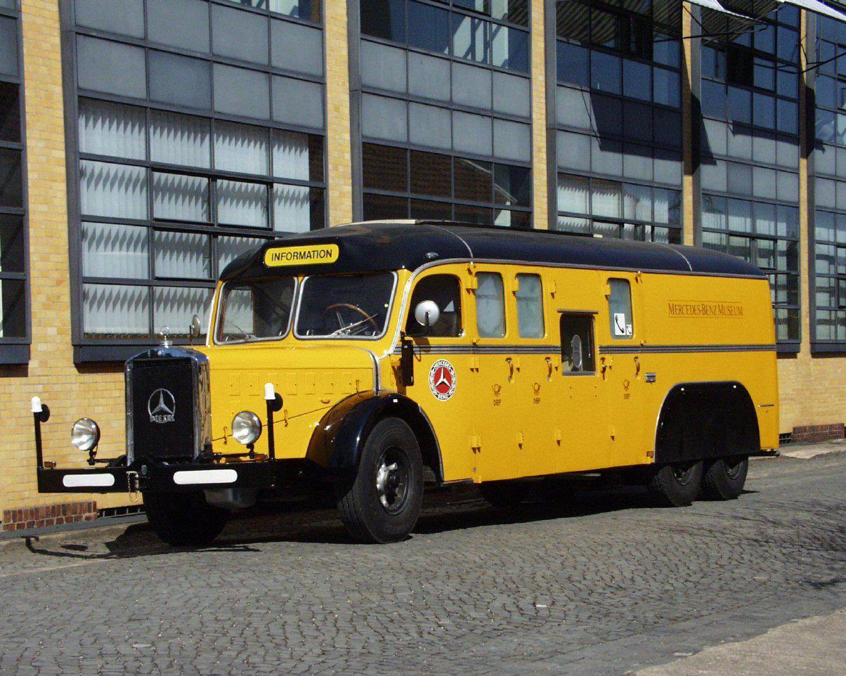 Vintage-Busses-15