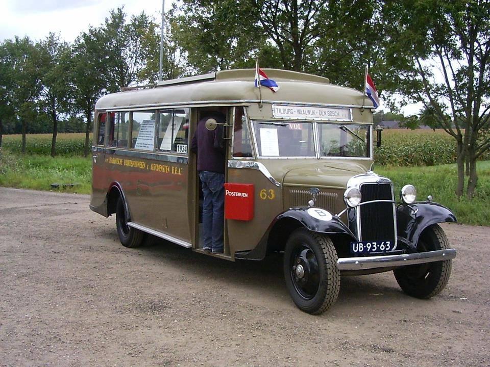Vintage-Busses-33