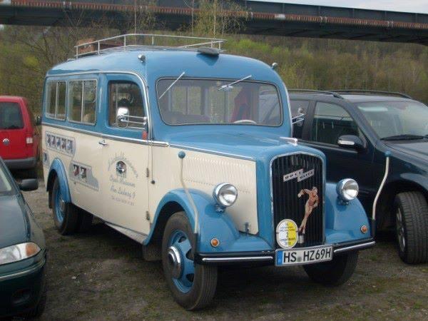 Vintage-Busses-9