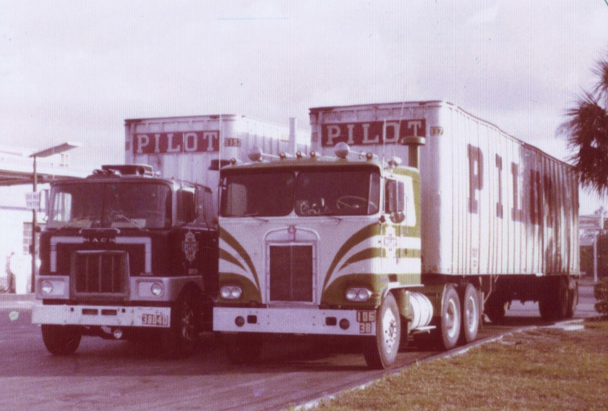 Autostop--Jacksonville-feb-1975-Russel-Macneil