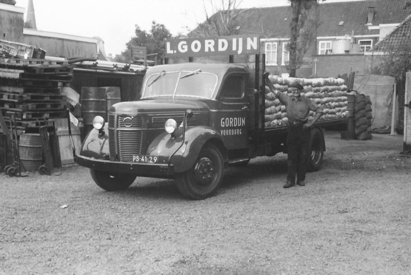 Volvo-van-Gordijn-begonnen-als-kolenboer--later-in-het-transport