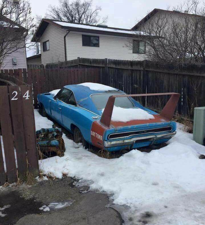 Linda-Schmalbeck-Benson-Hurts-to-see-this-MOPAR-classic-rusting