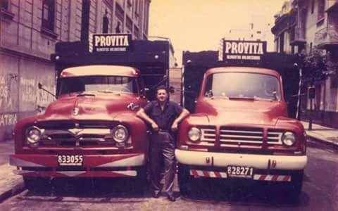 Que-foto-El-Bedford-y-el-Ford--buenos-aires-decada-del-60