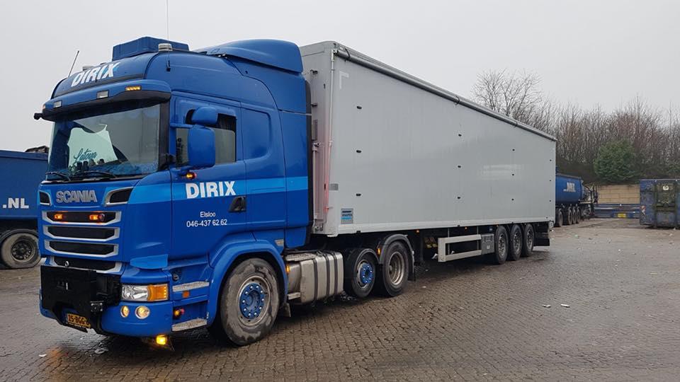 Scania-met-nieuwe-beschermingzeil--Walking-floor-is-veel-onderhoud-succes-2