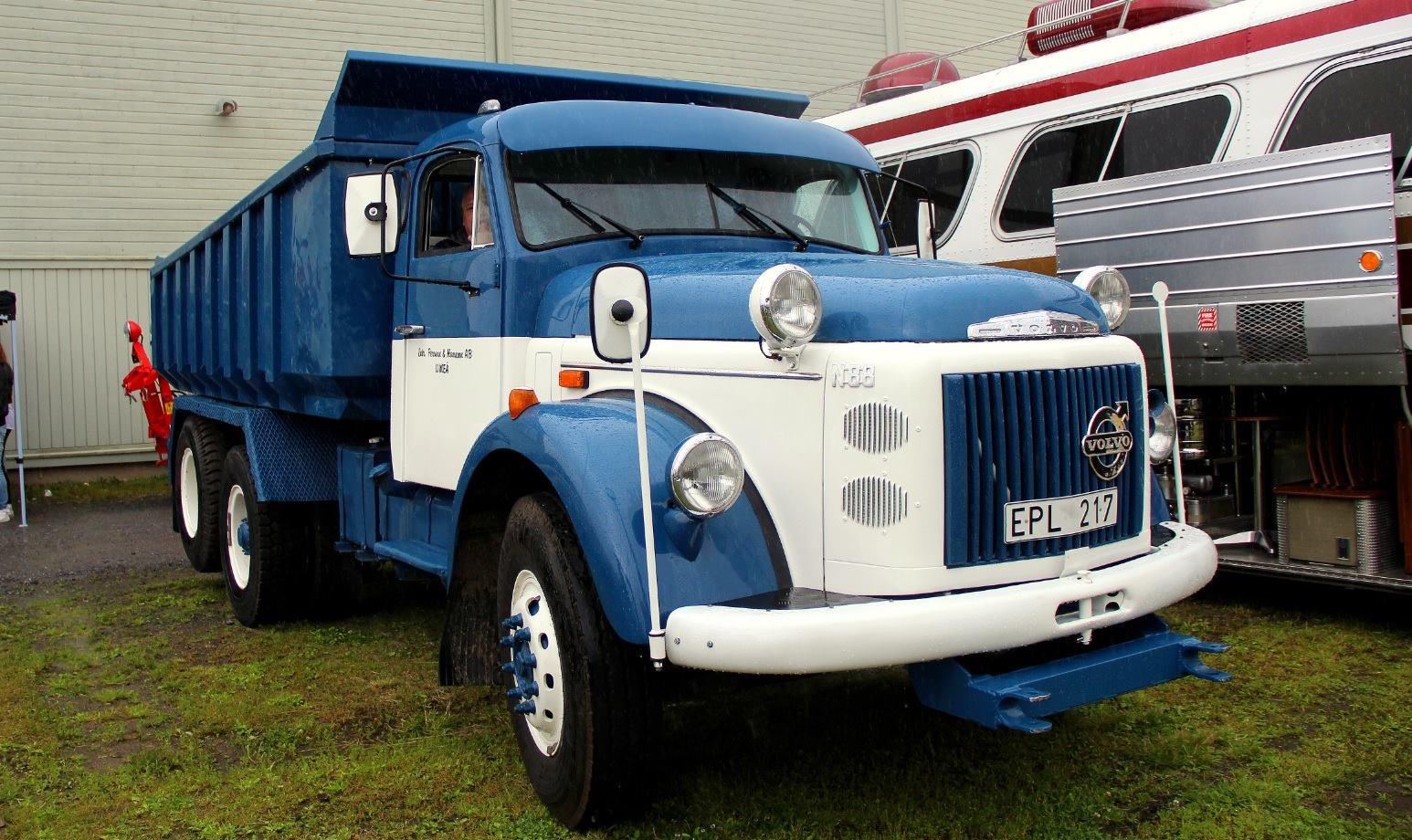 Volvo-6X2-N88