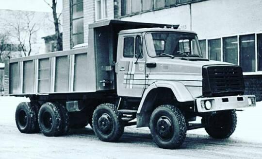 ZIL-8X4