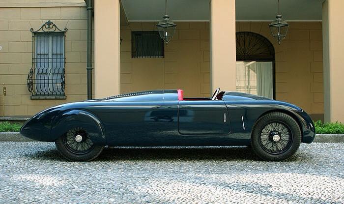 Alfa-Romeo-8C-2