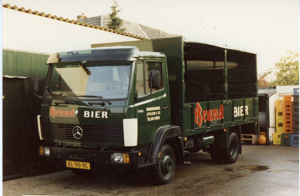 Wagenpark-Drankenhandel-J.-Willems-zn-Nieuwenhagen-eind-jaren-80-begin-jaren-90-2