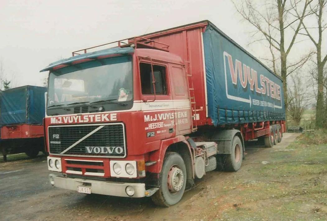 Volvo-F-12-2