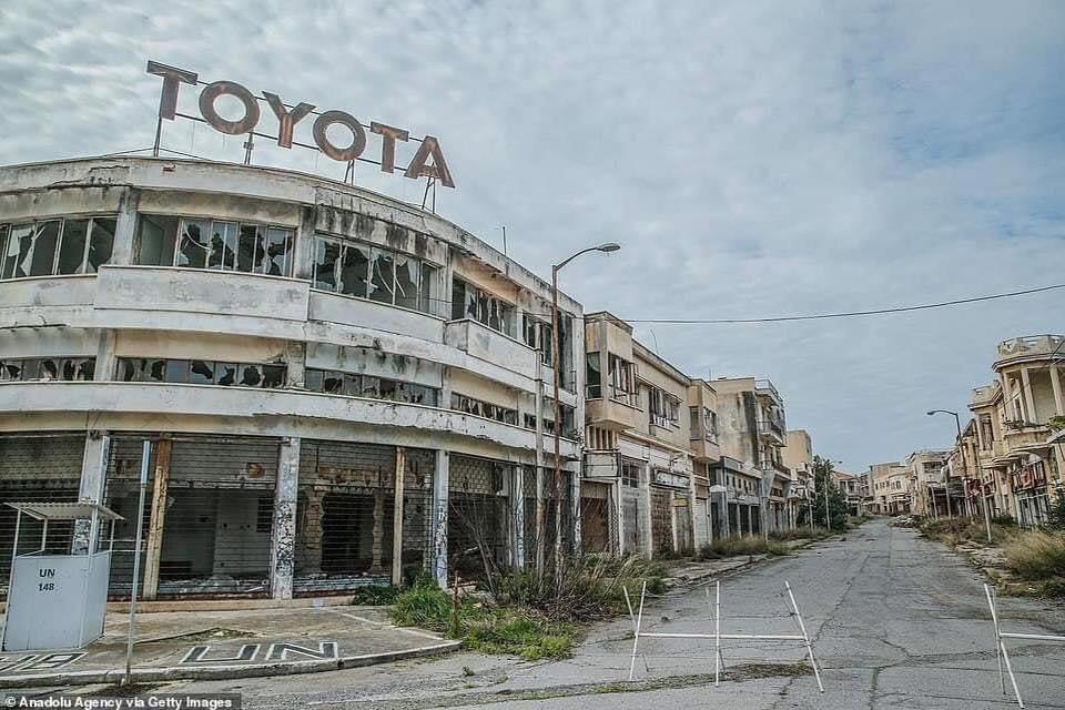 Cyprus-Famagusta-new-cars--old--cars-border---1974-closet--1