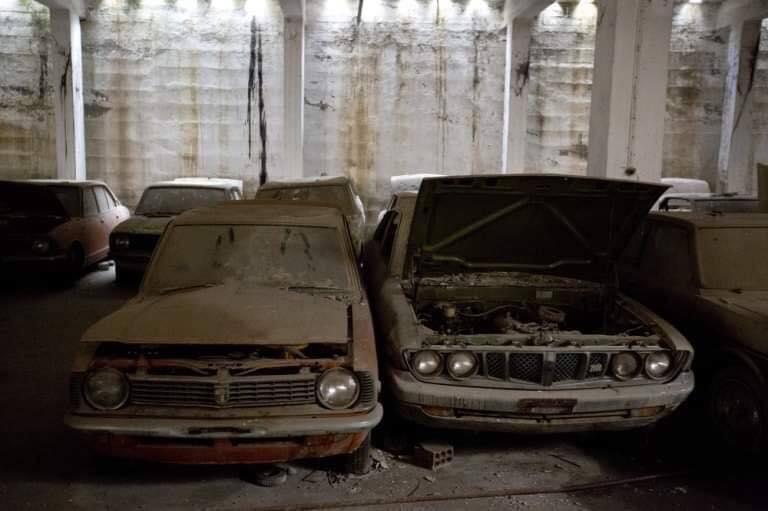 Cyprus-Famagusta-new-cars--old--cars-border---1974-closet--4