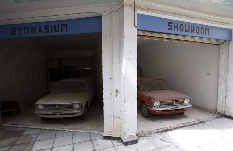Cyprus-Famagusta-new-cars--old--cars-border---1974-closet--6