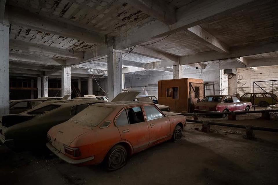Cyprus-Famagusta-new-cars--old--cars-border---1974-closet--7