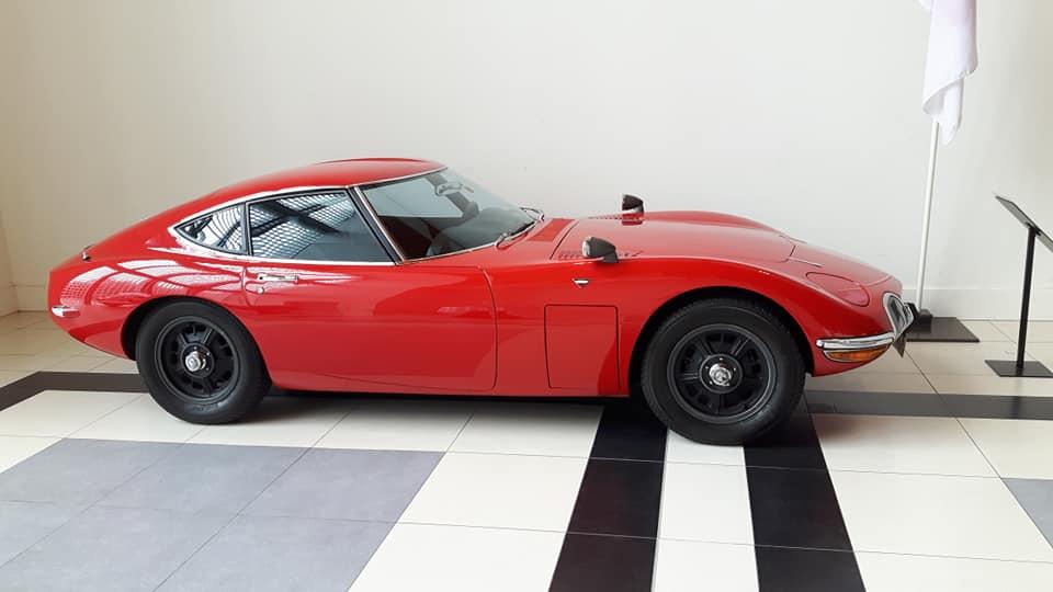 Toyota-2000GT--1968-2