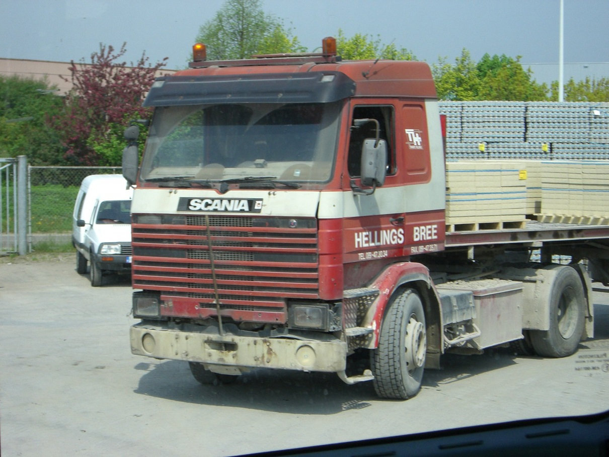 Chauffeur-Roger-zijn-koertrekker-