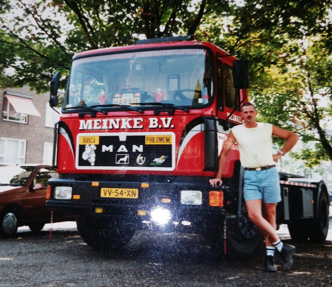 Harrie-Smeets-in-1993-12-jaar-gewerkt-voor-de-firma-Meinke-te-Maastricht-als-containerwagenchauffeur