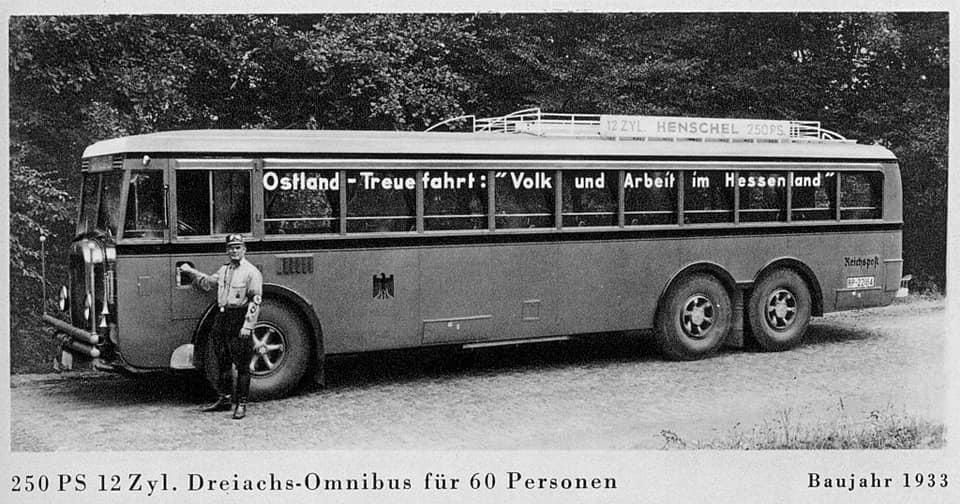 HENSCHEL-uit-1933-met-12-cylinder-voor-60-passagiers-in-1933-2