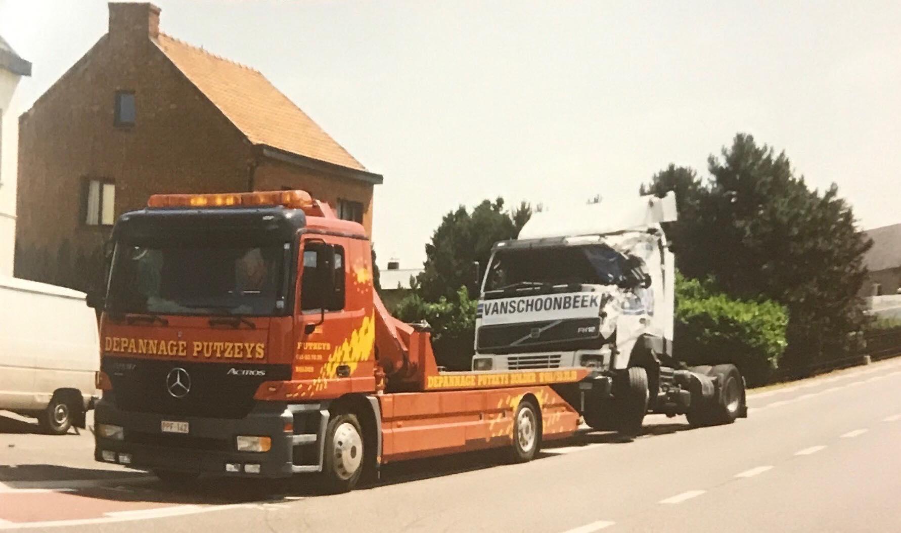Mercedes-met-een-Volvo-eraan