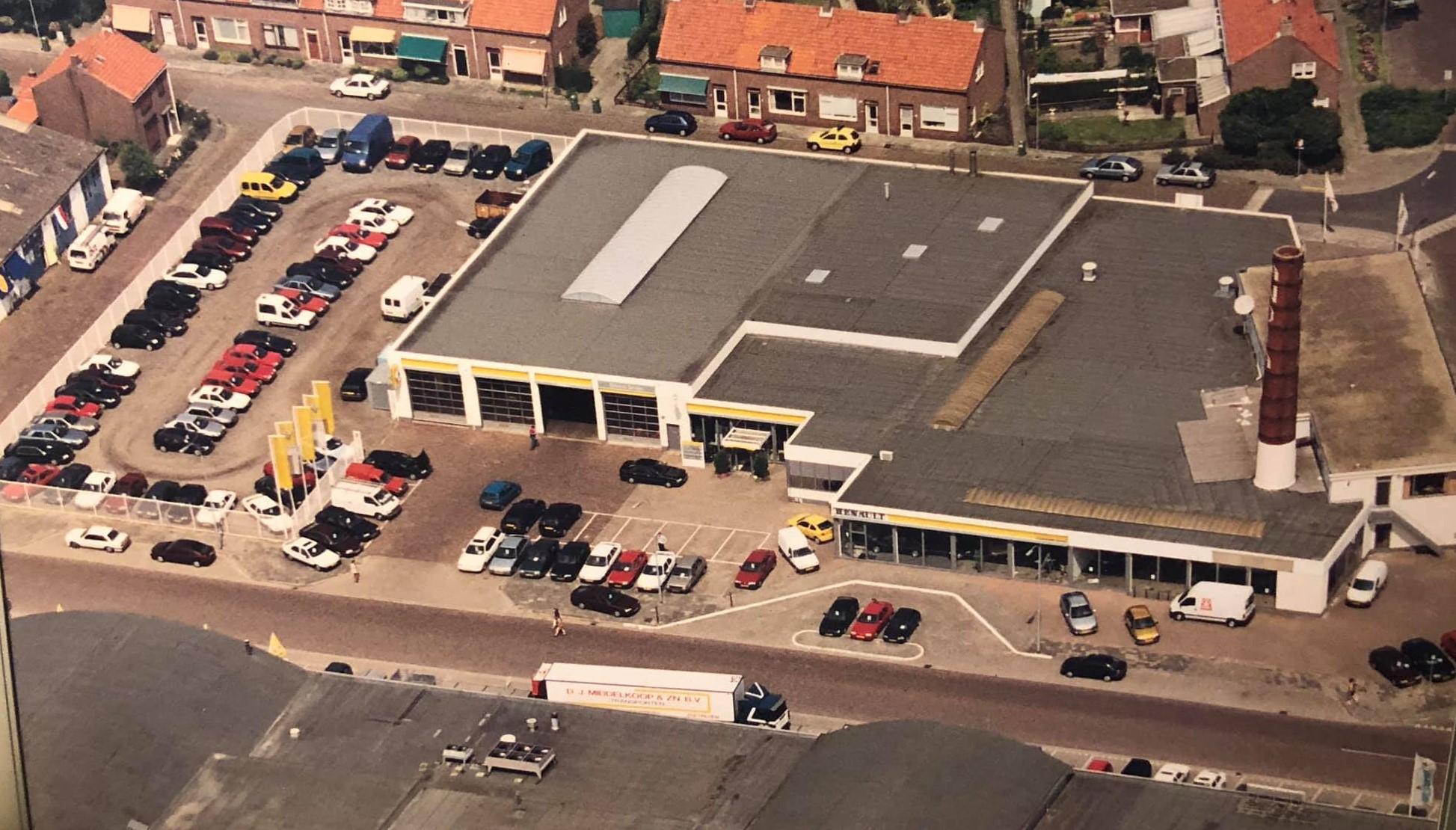 Renault-dealer-Autocentrum-1999-in-Goes