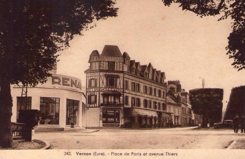 Renault-Agence--Vernon-Eure-in-de-oorlog-gebombardeerd