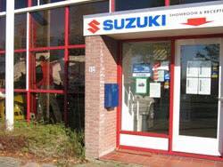 Suzuki-Dealer-auto-Amsetlstad-Minnervalaan-Raimomdo-ter-Haak-was-hier-monteur-2