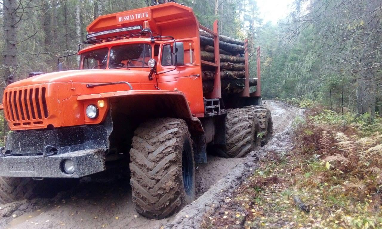 URAL-6x6-Monster-Logging-Truck