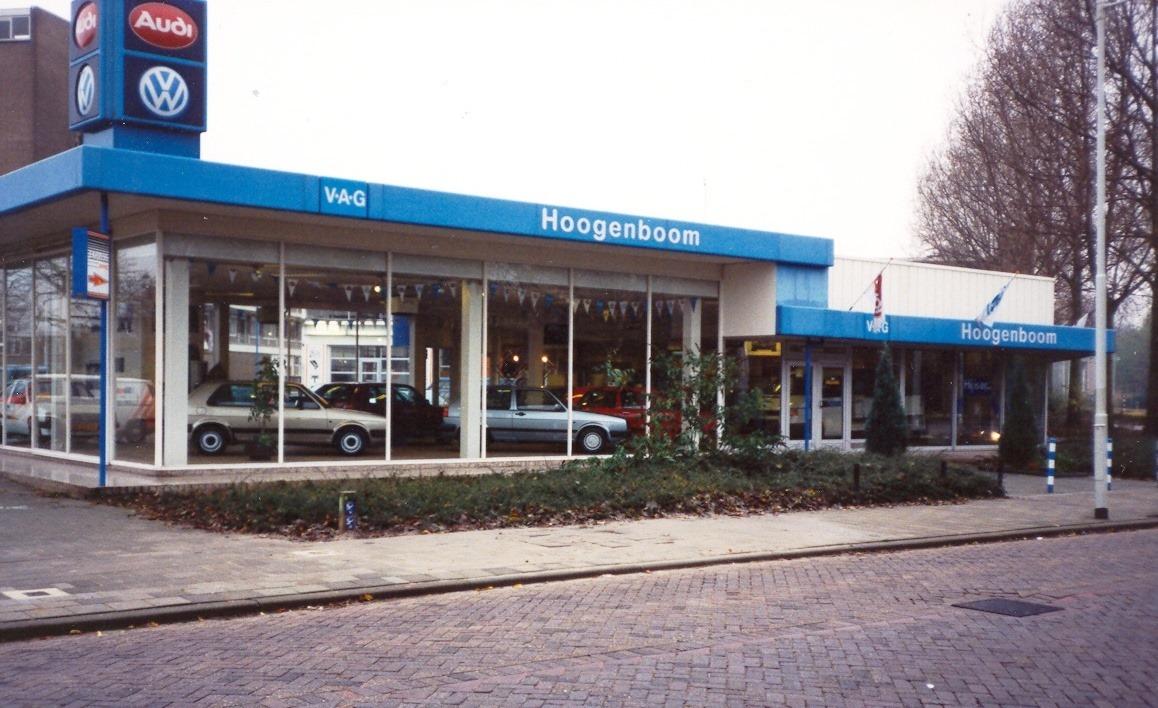 Auto-Hoogenboom--dealer-van-Volkswagen-in-Groot-Rotterdam--Diverse-vestigingen-zijn-hier-afgebeeld--ca-1990-Ronald-Jacobse-archief-6