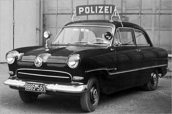 Ford-Taunus-12-m-Wereldbol-P3-Ford-Koln