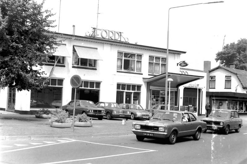 Ford-garage-aan-de-Hoofdstraat-in-Epe-2