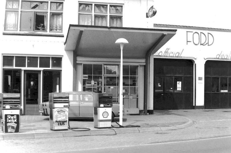 Ford-garage-aan-de-Hoofdstraat-in-Epe-5