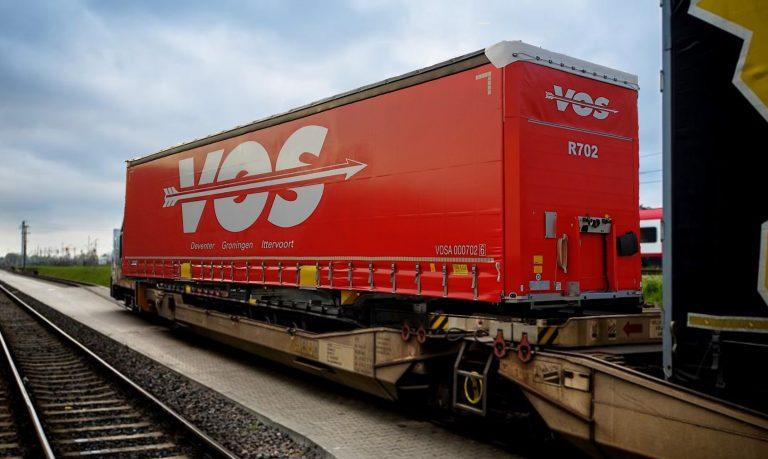 300-trein-trailers