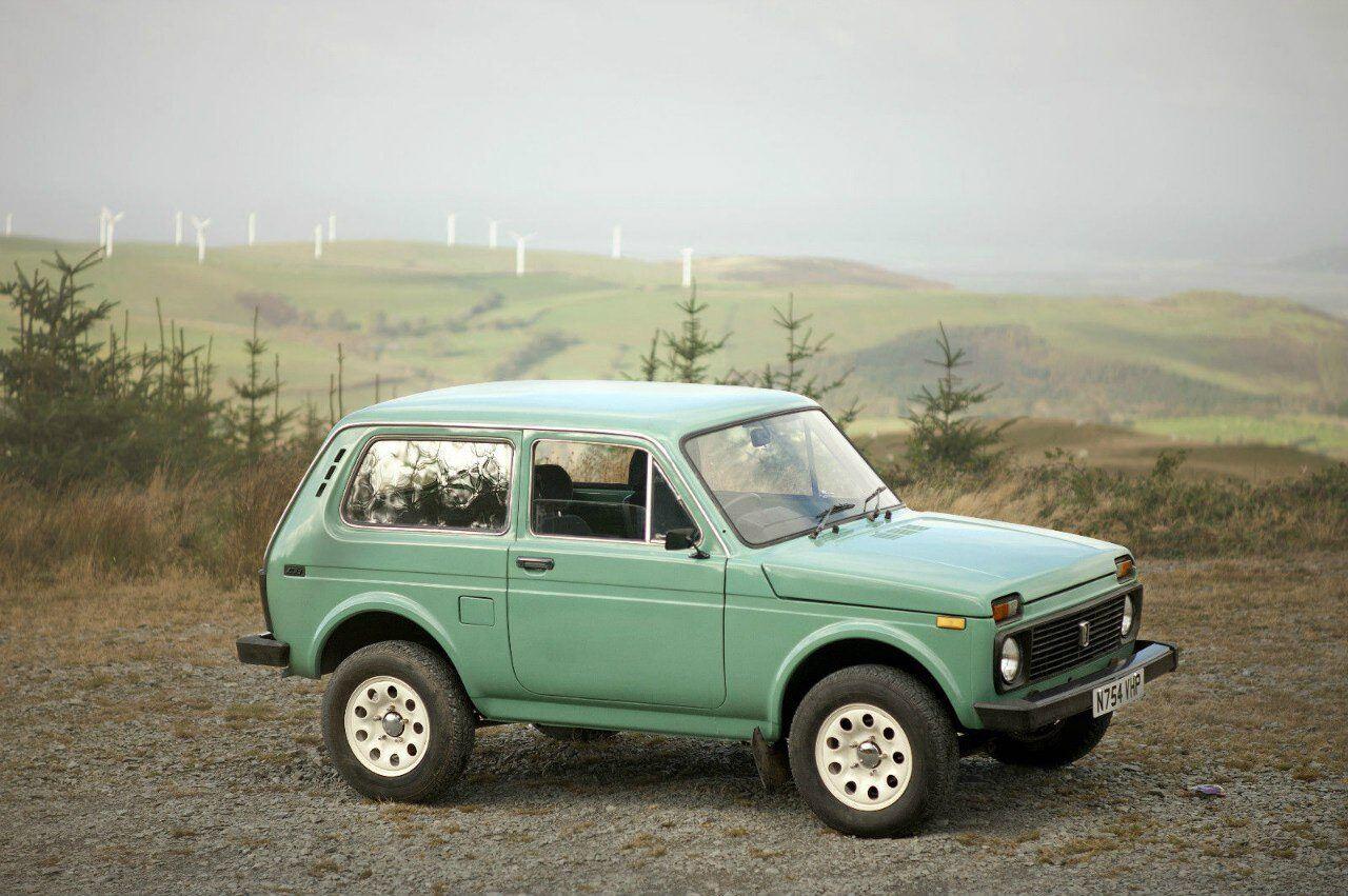 Lada--VAZ-2121