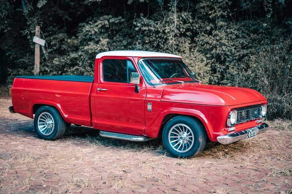 Chevrolet-C-10-1973-6-Cyl--1