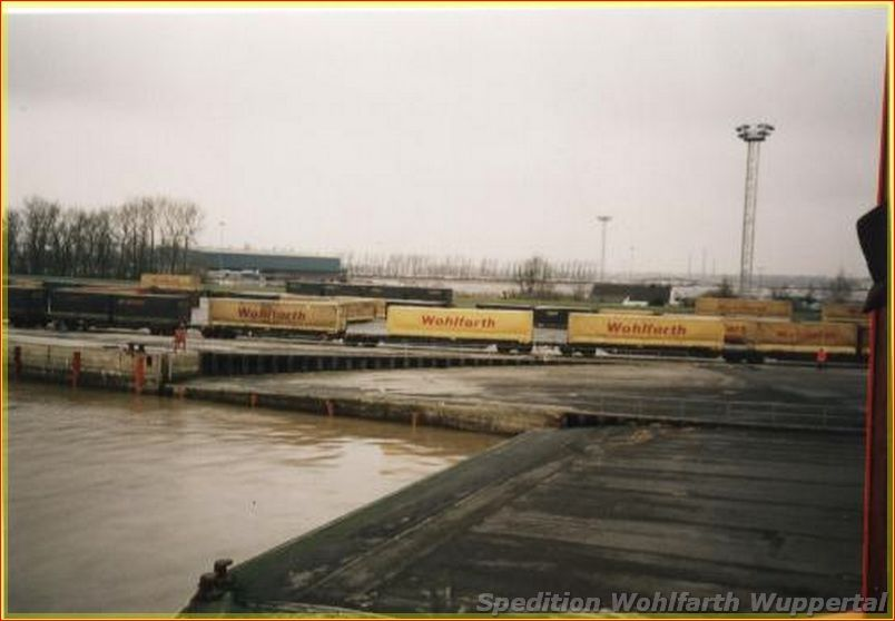 Chassis-Containers-Trailers-3