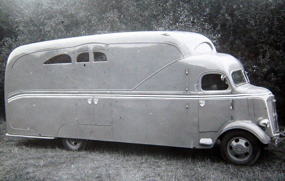 Oldsmobile-met-Bollekens-opbouw