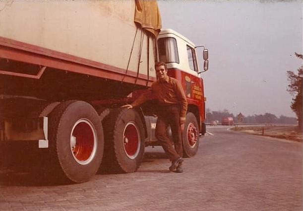 Rob-met-de-Scania-van-Colle-Koningsbosch-jaren-70-